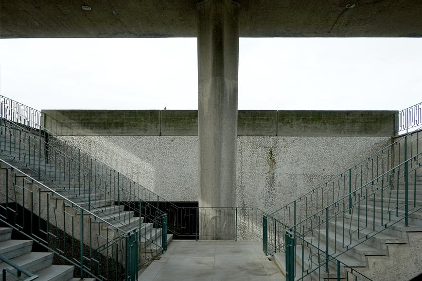 CHACARITA-MODERNA-staircase